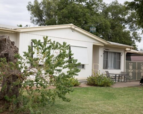 Bourke-Accommodation-4-Bedroom-Cottage (7)