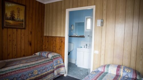 Bourke-Accommodation-Budget-Twin-Rooms (3)