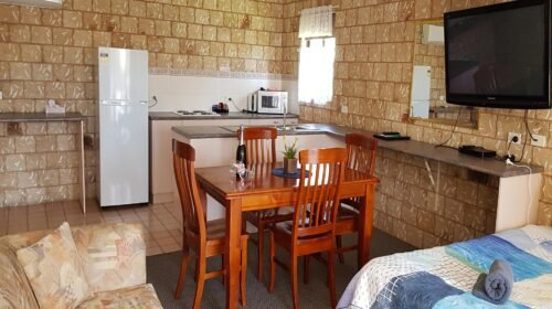Bourke-Accommodation-Executive-Family-Suite (16)