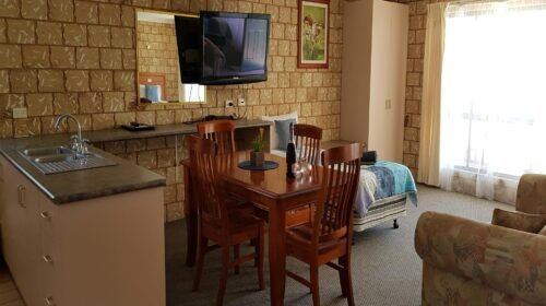 Bourke-Accommodation-Executive-Family-Suite (18)