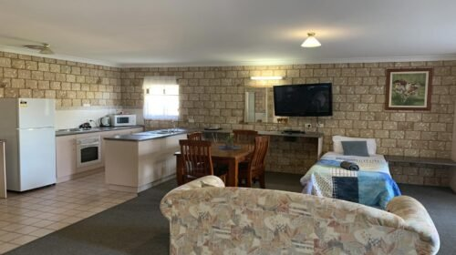 Bourke-Accommodation-Executive-Family-Suite (20)