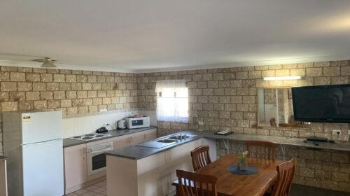 Bourke-Accommodation-Executive-Family-Suite (21)