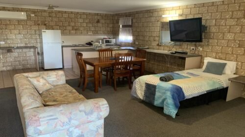 Bourke-Accommodation-Executive-Family-Suite (23)
