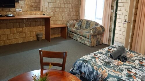 Bourke-Accommodation-Executive-Spa-Suite (23)