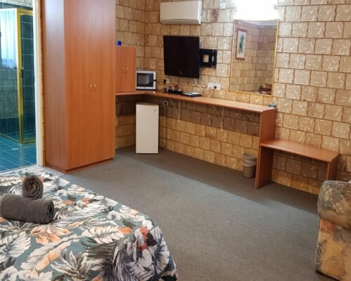 Bourke-Accommodation-Executive-Spa-Suite (24)