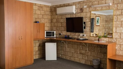 Bourke-Accommodation-Executive-Spa-Suite (45)