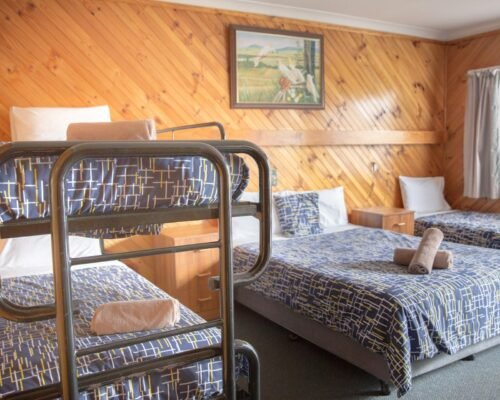 Bourke-Accommodation-Standard-Queen-Family-Room (17)
