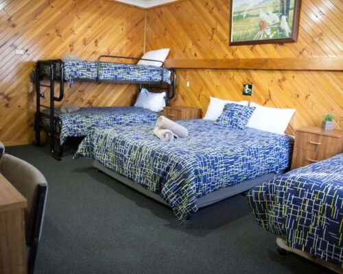 Bourke-Accommodation-Standard-Queen-Family-Room (34)