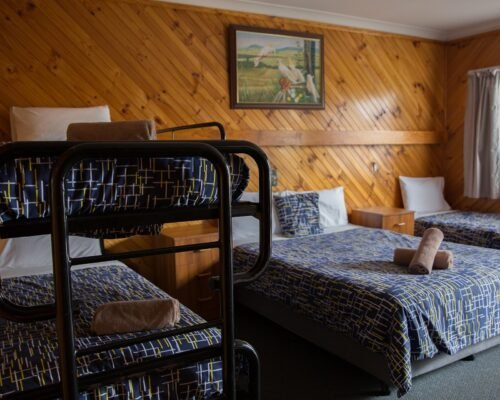 Bourke-Accommodation-Standard-Queen-Family-Room (8)